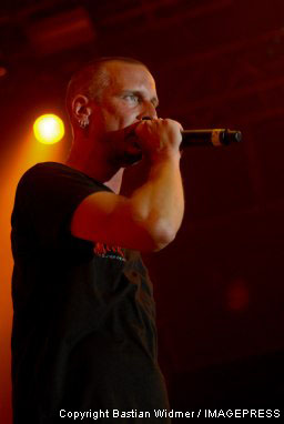 Zack Tell, Leadsänger von Clawfinger auf dem Gurtenfestival 2007